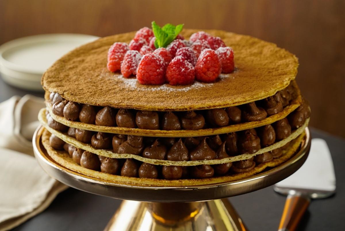 Pastel de chocolate con hojaldre
